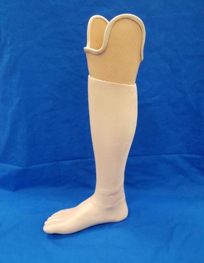 Unterschenkel Prothese mit Kosmetikverkleidung und Super-Skin Beschichtung von Schwendemann Vogel